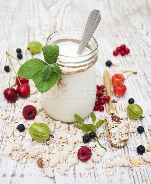 Stok fotoğraf: Sağlıklı · kahvaltı · yoğurt · tahıl · taze · meyve