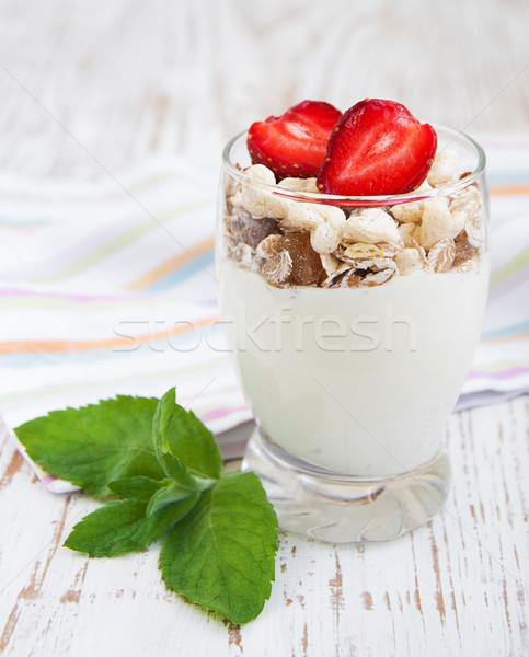 Sani colazione naturale yogurt muesli fragole Foto d'archivio © Es75