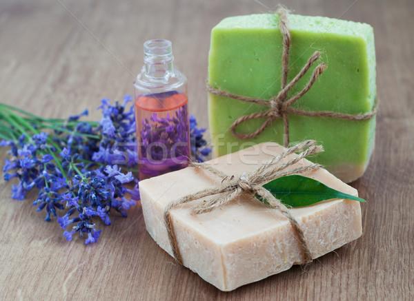Sapone fatto in casa lavanda fiore olio da massaggio Foto d'archivio © Es75