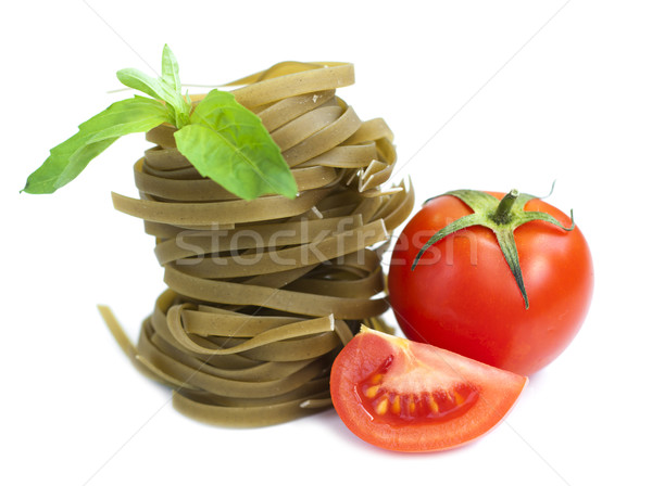 Tagliatelle İtalyan makarna domates fesleğen beyaz Stok fotoğraf © Es75