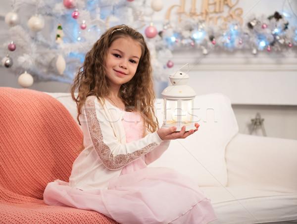 Güzel küçük kız el feneri Noel zaman kız Stok fotoğraf © Es75