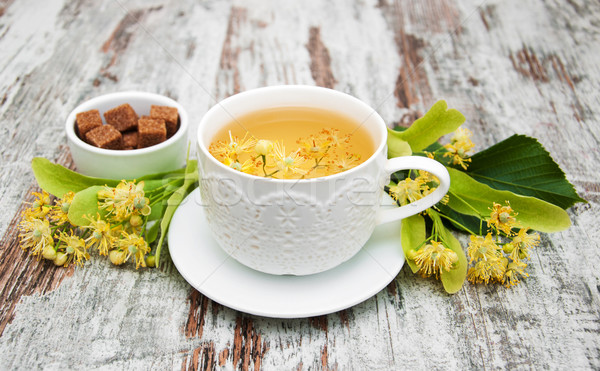 Taza té de hierbas flores edad Foto stock © Es75