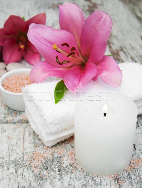 Spa Produkte rosa Lilie alten Holz Stock foto © Es75