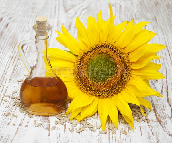 Słonecznika nasion oleju tle tabeli Zdjęcia stock © Es75