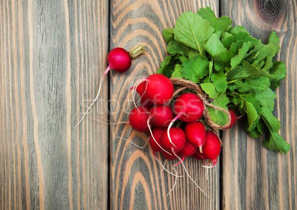 Fresche ravanello vecchio legno alimentare Foto d'archivio © Es75