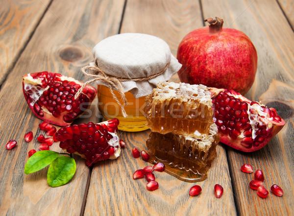 Miele melograno vecchio legno alimentare frutta Foto d'archivio © Es75