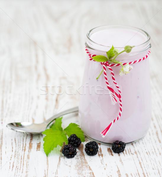 BlackBerry yogurt fresche frutti di bosco legno alimentare Foto d'archivio © Es75