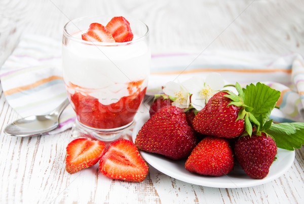 Strawberry Yoghurt Stock photo © Es75