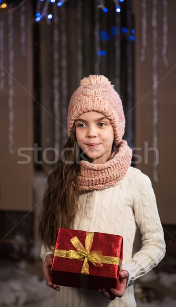 Ragazza Natale scatola regalo felice piccolo sorridere Foto d'archivio © Es75