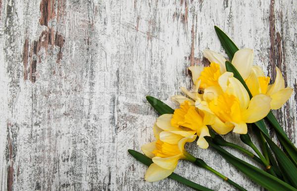 Stockfoto: Geel · narcissen · oude · houten · Pasen · bloem