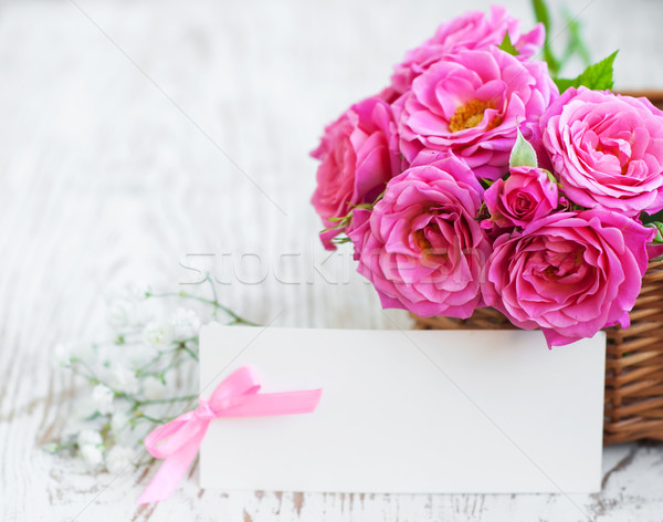 Carte roses table rose table en bois bois Photo stock © Es75
