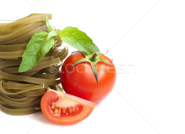 Tagliatelle italiana pasta pomodoro basilico bianco Foto d'archivio © Es75