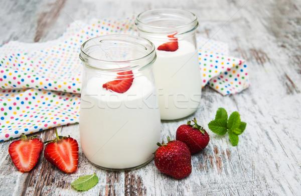 Eper gyümölcs joghurt friss eprek öreg Stock fotó © Es75