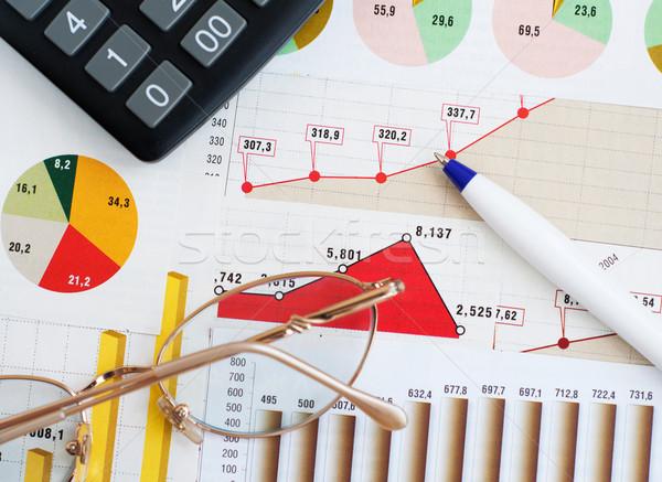 Finanziaria grafico grafico mutui vetro pen Foto d'archivio © Es75