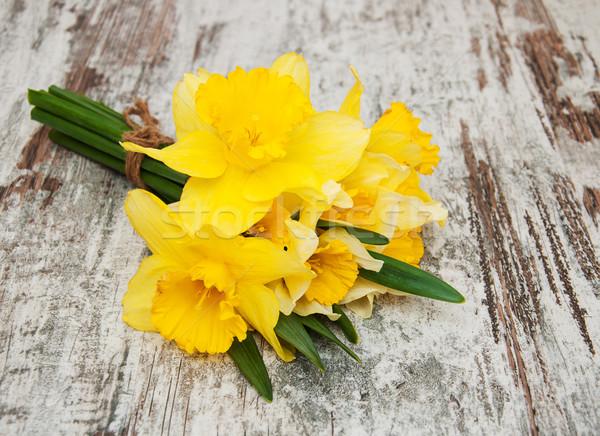 黄色 水仙 古い 木製 イースター 花 ストックフォト © Es75