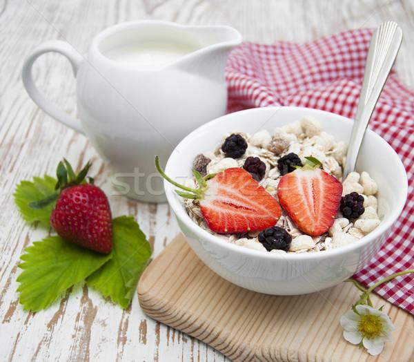 穀物 ミューズリー イチゴ 健康 朝食 食品 ストックフォト © Es75
