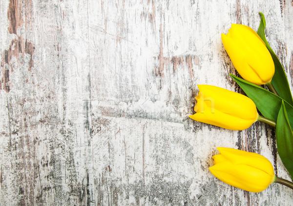 Sarı renkli lâle çiçekler ahşap bahar Stok fotoğraf © Es75