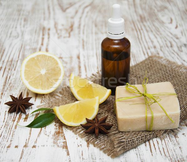 Citron savon pièce fraîches Photo stock © Es75