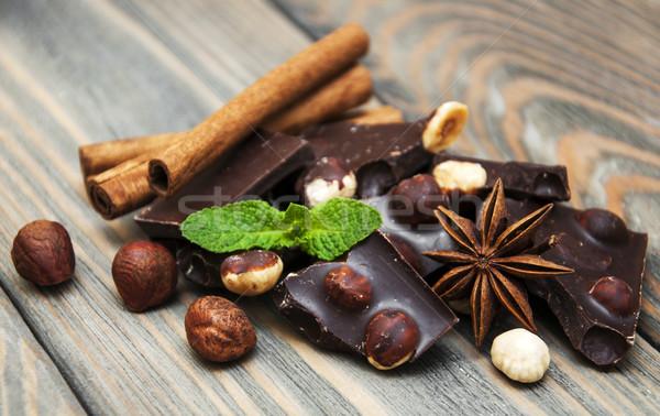 Cioccolato fondente dadi spezie legno alimentare cioccolato Foto d'archivio © Es75