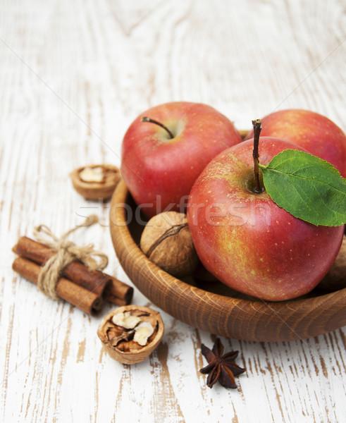 Rood appels oude houten tafel voedsel natuur Stockfoto © Es75