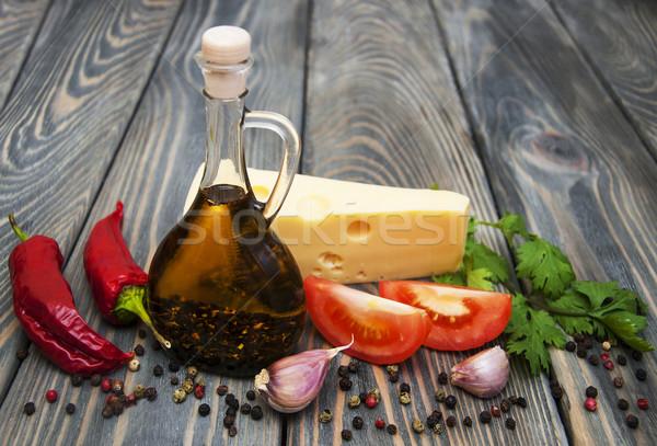 Gyógynövények fűszer öntet fa asztal étel zöld Stock fotó © Es75