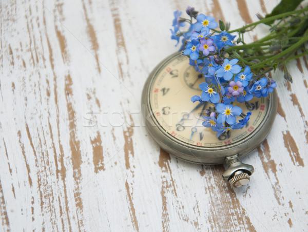 Reloj de bolsillo vintage flores primavera madera Foto stock © Es75