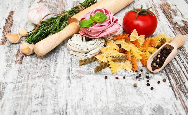 Macarrão ingredientes alho tomates italiano madeira Foto stock © Es75