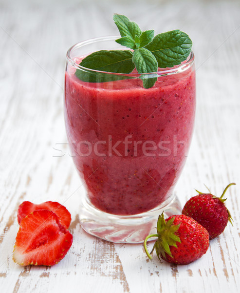 Fraise smoothie verre bois nature été Photo stock © Es75