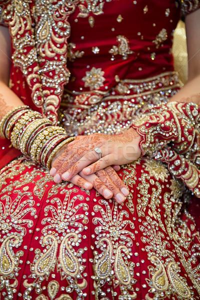 Indiai menyasszony gyűrű mutat henna esküvő Stock fotó © esatphotography
