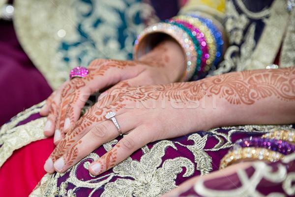 Henna kéz menyasszonyok kezek fókusz gyűrű Stock fotó © esatphotography