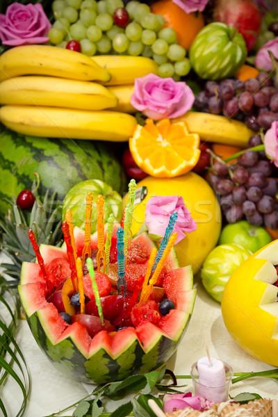 Zárt gyümölcs kirakat közelkép fókusz előtér Stock fotó © esatphotography