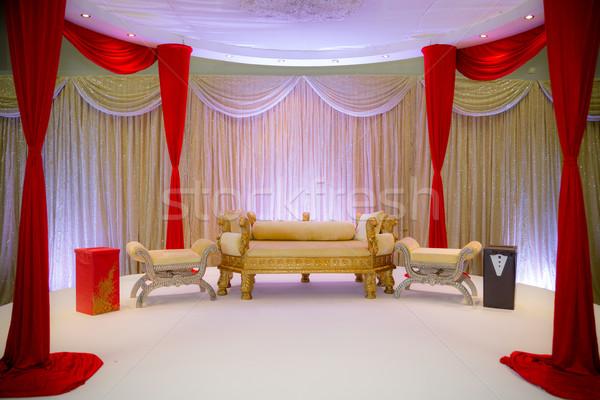 Czerwony złota ślub etapie asian Zdjęcia stock © esatphotography