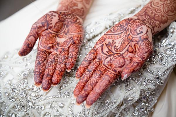 Henna pálmafák menyasszonyi menyasszonyok esküvő nap Stock fotó © esatphotography
