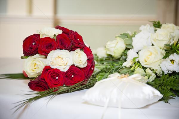 Rood witte boeket display rozen Stockfoto © esatphotography