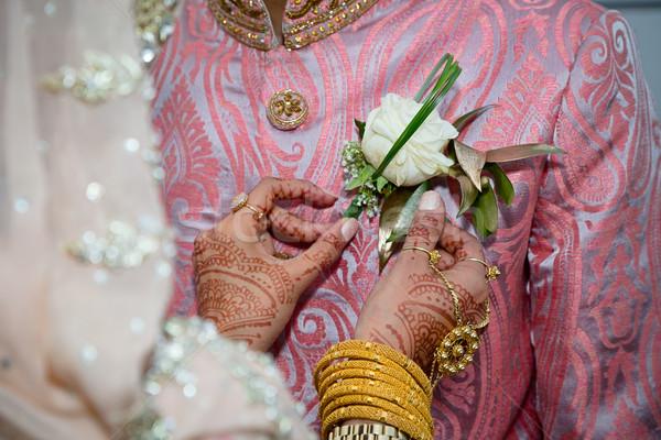 Menyasszony vőlegény segít gomblyuk Stock fotó © esatphotography