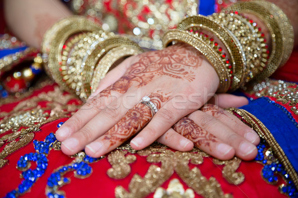 Menyasszonyok kezek gyűrű mutat nő kéz Stock fotó © esatphotography