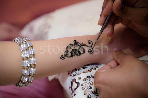 Toepassing bruid henna hand Stockfoto © esatphotography
