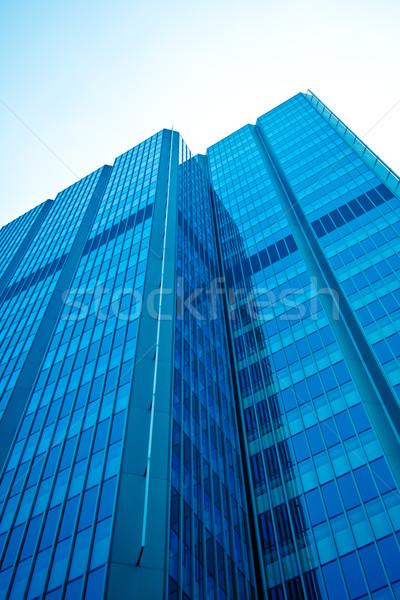 Moderno prédio comercial negócio céu árvore edifício Foto stock © EwaStudio