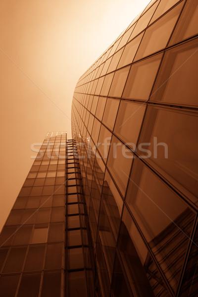 Ofis binaları modern cam duvar gökdelen Bina Stok fotoğraf © EwaStudio