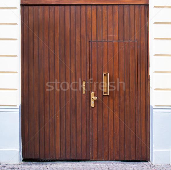 Oude houten deur huis muur home Stockfoto © EwaStudio
