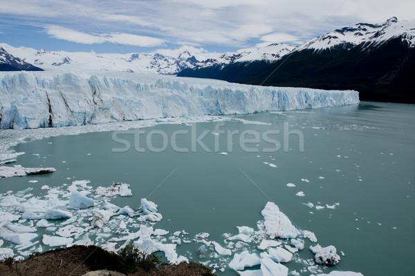 Gleccser kilátás egy park szemben tó Stock fotó © faabi