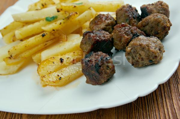 LA húsgombócok mártás sültkrumpli étel étel Stock fotó © fanfo