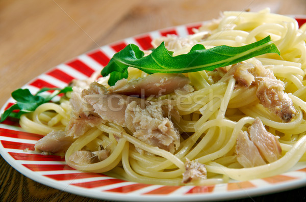Espaguetis italiano pasta sal peces hoja Foto stock © fanfo