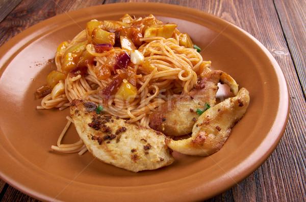 Fatto in casa spaghetti pollo filetto zucchine foglia Foto d'archivio © fanfo