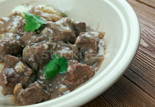 Holandês carne cebola ensopado tradicional carne Foto stock © fanfo