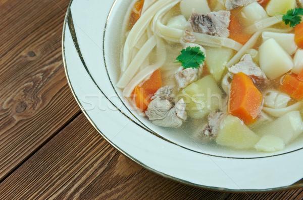 Tradycyjny gulasz wołowy mięsa naczyń marchew ziemniaki Zdjęcia stock © fanfo