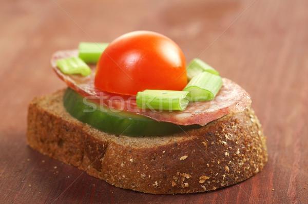 Tostato salame nero insalata pomodoro Foto d'archivio © fanfo
