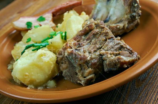 Hagyományos edény déli ki krumpli füstölt Stock fotó © fanfo
