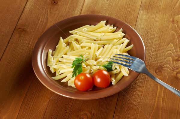 Heerlijk macaroni pasta houten tafel foto tomaat Stockfoto © fanfo