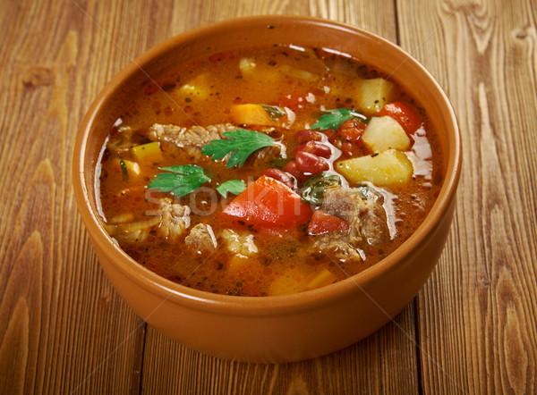 Tradicional cozinha prato tigela carne madeira Foto stock © fanfo